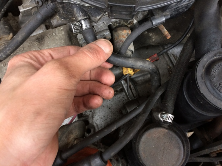 Fuel line between the Fuel Pump Outlet to Carburetor Inlet