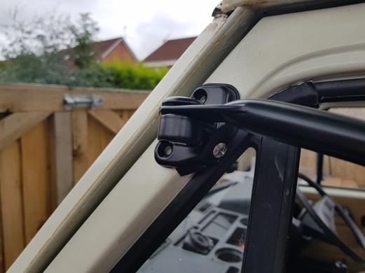 Upper bracket longer screw in place